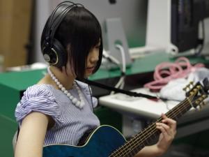 4限は大好きなギター、その後が楽典・コード理論です。